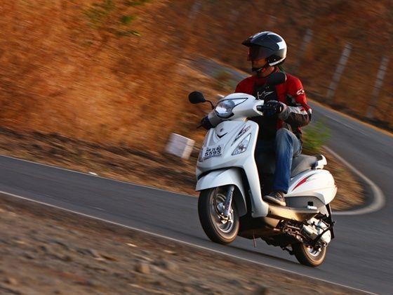 Suzuki Swish 125 action