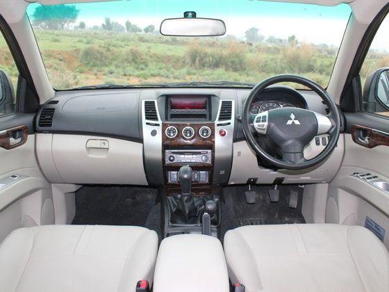 Mitsubishi Pajero 2014 Interior - image #76