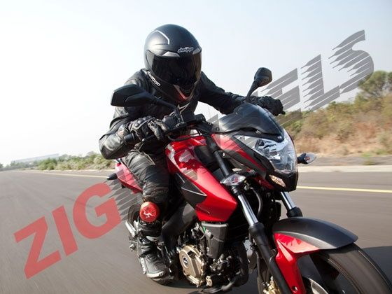 The Pulsar 200 NS comes in with 23.52PS on tap at 9500 rpm and makes 18.3Nm of torque at 8000 rpm