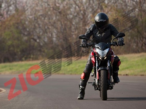Design and Style on the 2012 Bajaj Pulsar