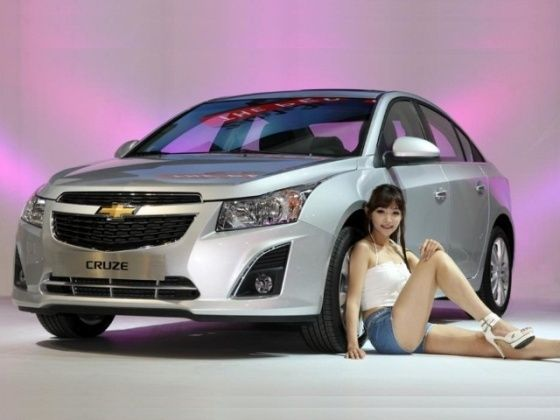 Face-lifted Chevrolet Cruze