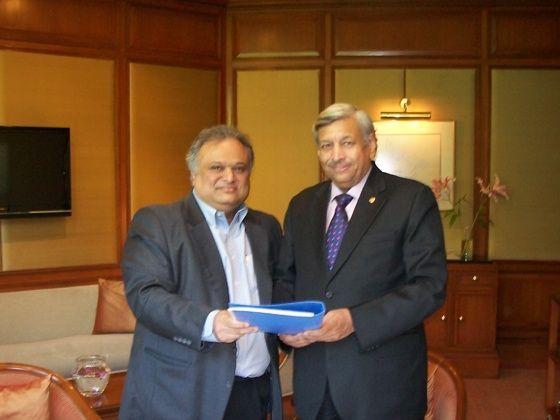 Maitreya Doshi, Chairman & MD, Premier Ltd.  & Rajeev Kapoor, President & CEO, Fiat India Automobiles Pvt Ltd