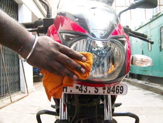 Motorcycle headlight and horn care - ZigWheels