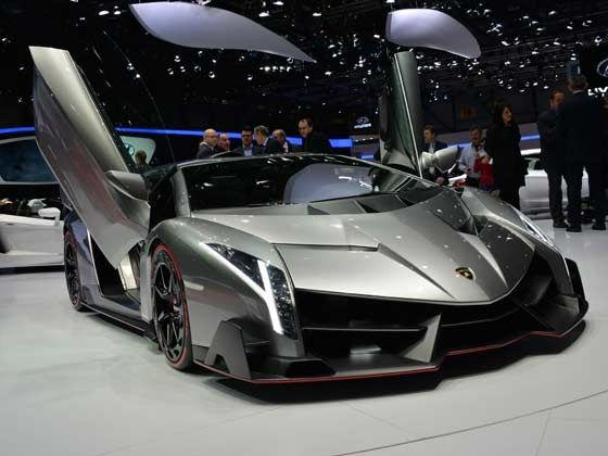Lamborghini shows off the Veneno in Geneva