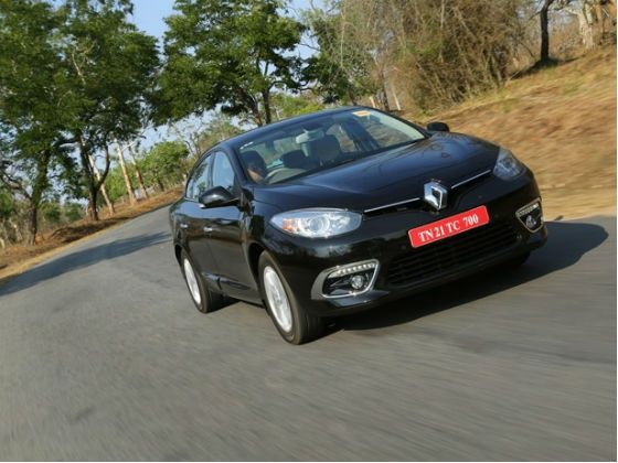New Renault Fluence front action shot