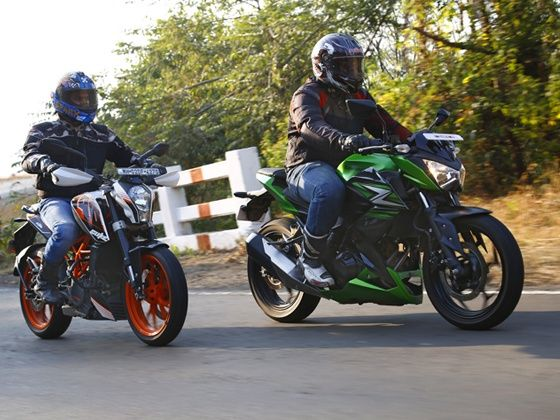 Kawasaki Z250 and the KTM 390 Duke in action