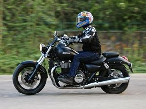 Triumph Thunderbird Storm Bike Price In India Motorrad Bild Idee