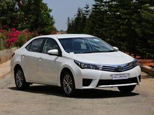2014 Toyota Corolla Altis: Review - ZigWheels