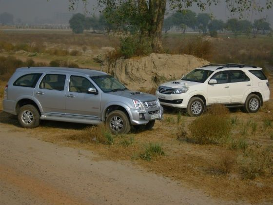 Isuzu MU-7 vs Toyota Fortuner comparison review