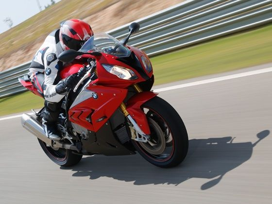 2015 BMW S1000RR action shot