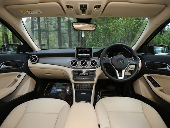 Mercedes benz gla class india review zigwheels for Mercedes benz gla class interior