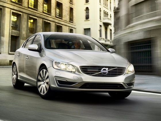 Volvo S60 T6 Petrol to launch in India - ZigWheels