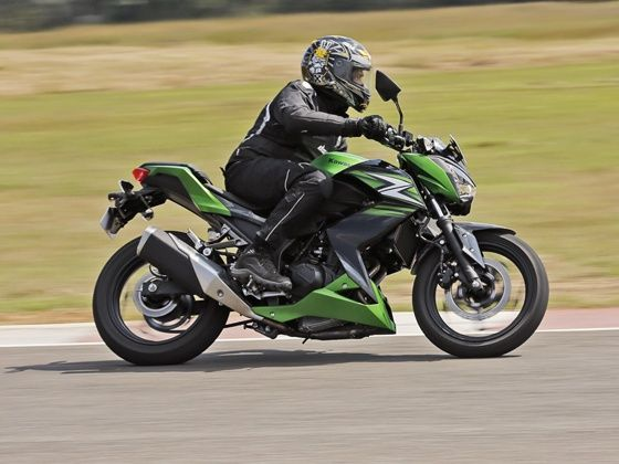 2014 ET ZigWheels Awards Premium Bike of the year below 500cc ...