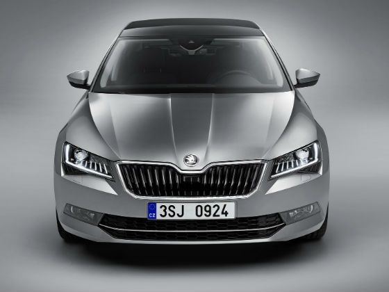 New Skoda Superb 2016 Front Static