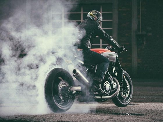 Yamaha VMAX Infrared burnout