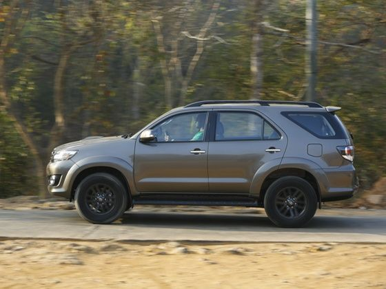 Toyota fortuner 30 d 4d 4x4 automatic review zigwheels toyota fortuner awd automatic review photo panning shot fandeluxe Images