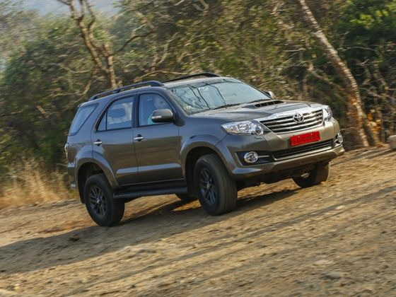 Toyota fortuner 30 d 4d 4x4 automatic review zigwheels toyota fortuner awd automatic review photo 2 fandeluxe Images