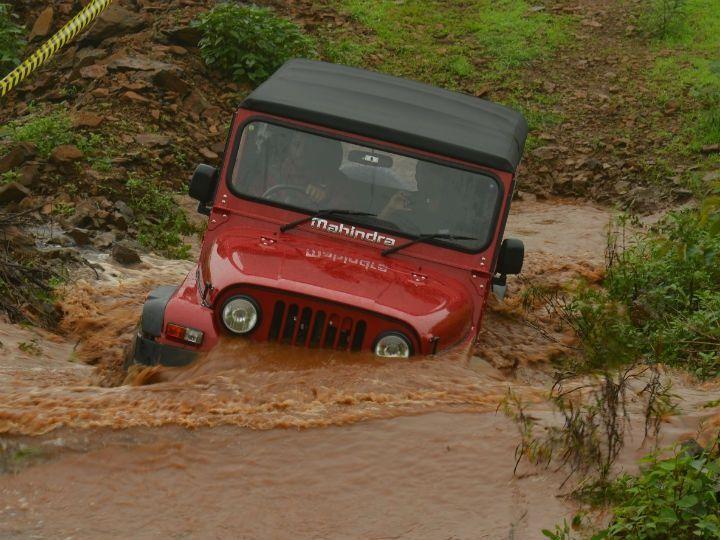 Mahindra Thar CRDe facelift water wading