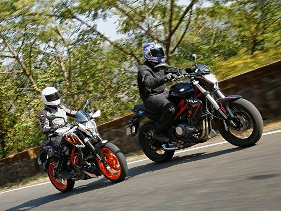 DSK Benelli TNT 302 vs KTM 390 Duke Comparison review in India
