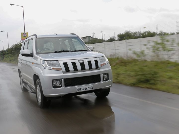 2015 Mahindra TUV300 Review front tracking
