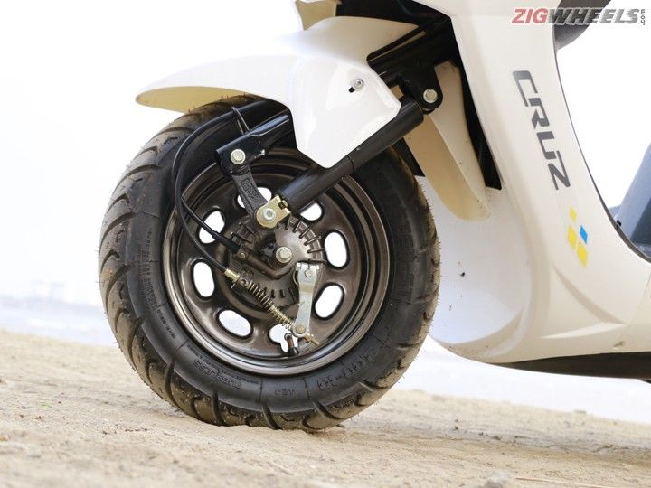 Hero Electric Cruz: Front Wheel