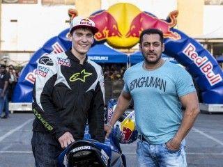 Salman Khan and Red Bull Stunt Rider Aras Gibieza Wows the Crowd at Suzuki Gixxer Day in Mumbai