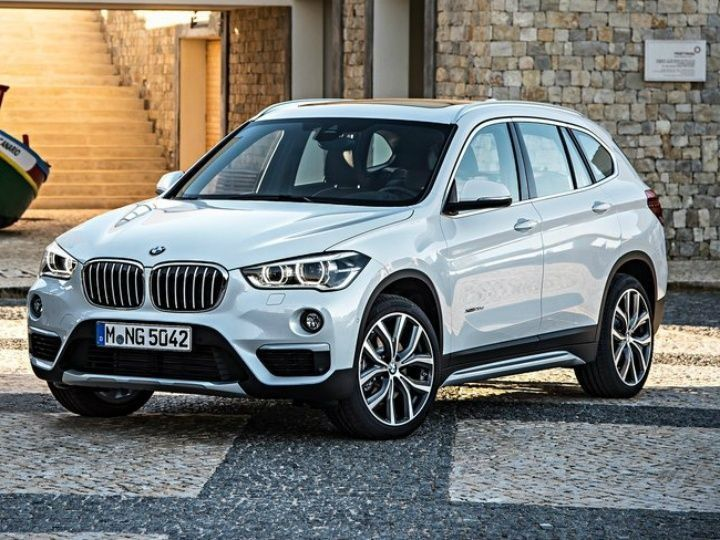 2016 auto expo new bmw x1 launched at rs 29 9 lakh zigwheels. Black Bedroom Furniture Sets. Home Design Ideas