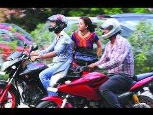 Helmets become mandatory for two-wheeler pillion riders in Maharashtra -  ZigWheels