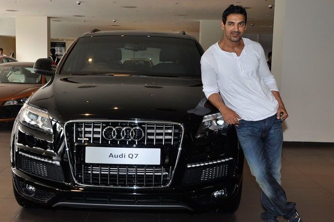 John Abraham with previous generation Audi Q7