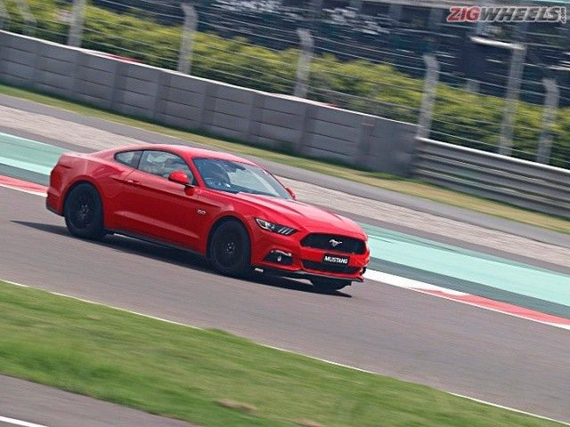 Ford Mustang at BIC