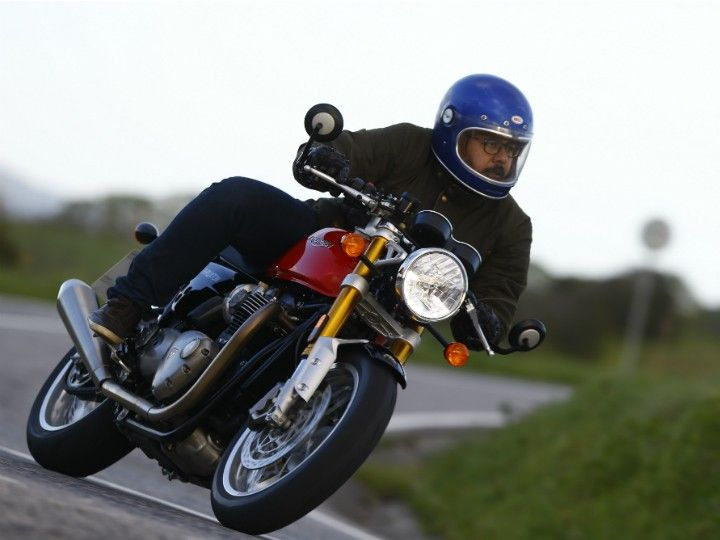 The Thruxton R features a sharper rake angle and a shortened wheelbase which makes the bike extremely nimble