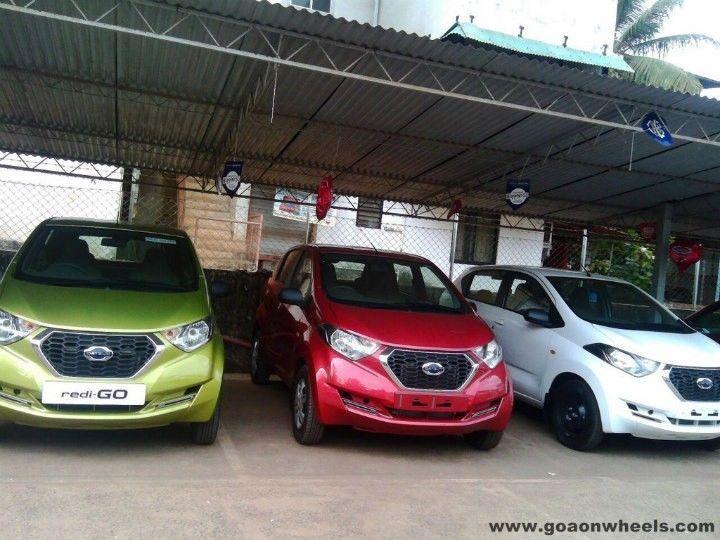 Datsun redi-GO spotted at dealership - ZigWheels