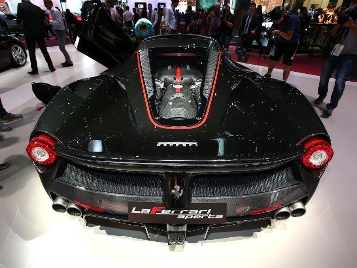 Ferrari Laferrari Aperta Wows 2016 Paris Motor Show Zigwheels