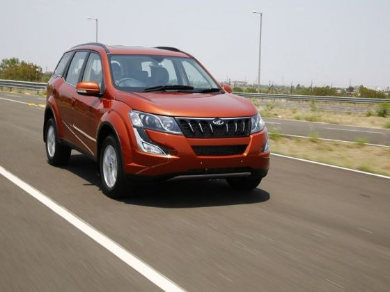 2018 Mahindra XUV500 Facelift Spotted Testing