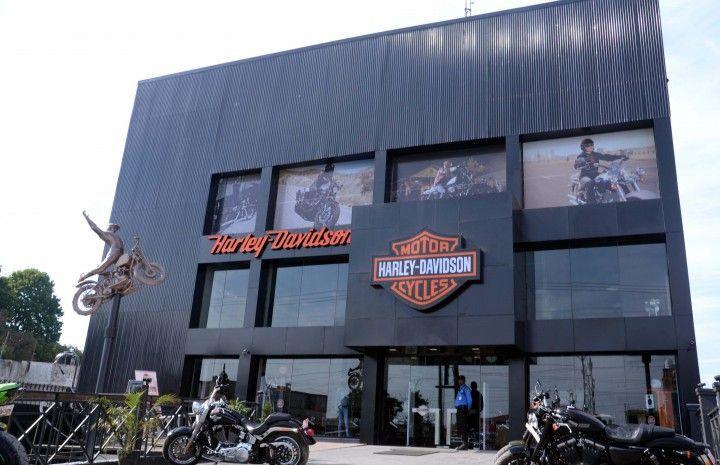 Harley-Davidson-Showroom-Dehradun-pic-photo-image