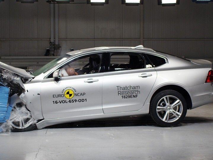 Volvo S90 Crash Test