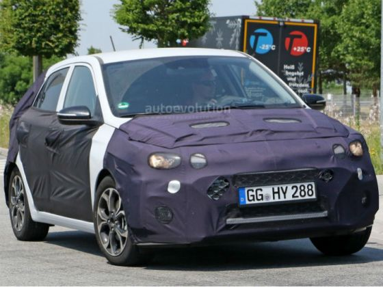 Hyundai Elite i20 Facelift Spied Testing In Europe