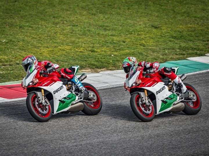 Ducati Unveils The 1299 Panigale R Final Edition