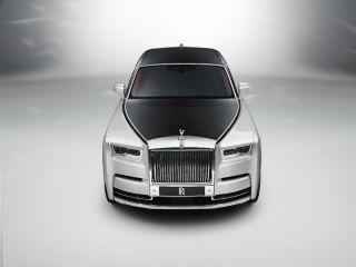 Rolls-Royce Phantom VIII: Bow Down To The KING!
