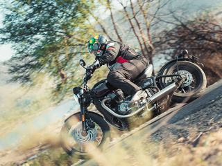 Triumph Bonneville Bobber - Road Test Review