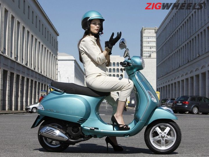 women 39 s day special top 5 scooters for women zigwheels. Black Bedroom Furniture Sets. Home Design Ideas