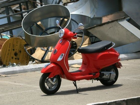 Vespa Offering Accessories Worth Rs 6000 On Its 150cc Model - ZigWheels