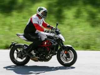 2017 MV Agusta Brutale 800: First Ride Review
