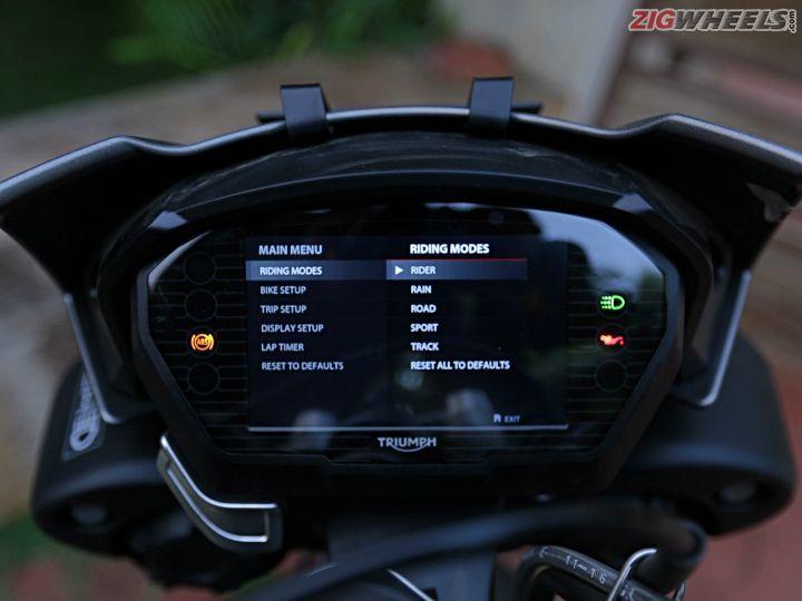 Triumph Street Triple RS: Road Test Review - ZigWheels