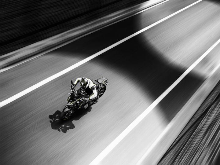 Kawasaki Z900 in action