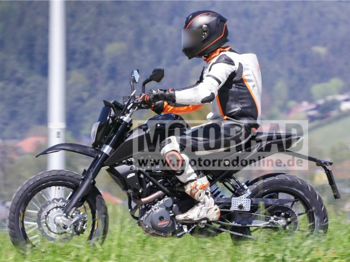 KTM 390 latest mule spotted testing