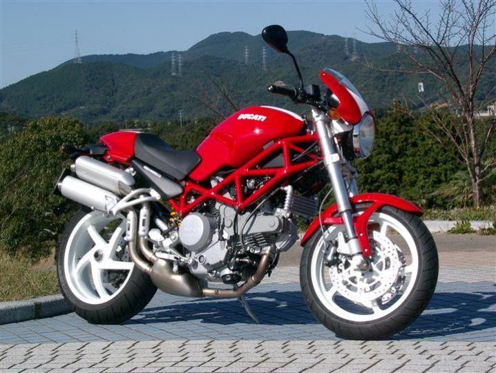 Ducati M800