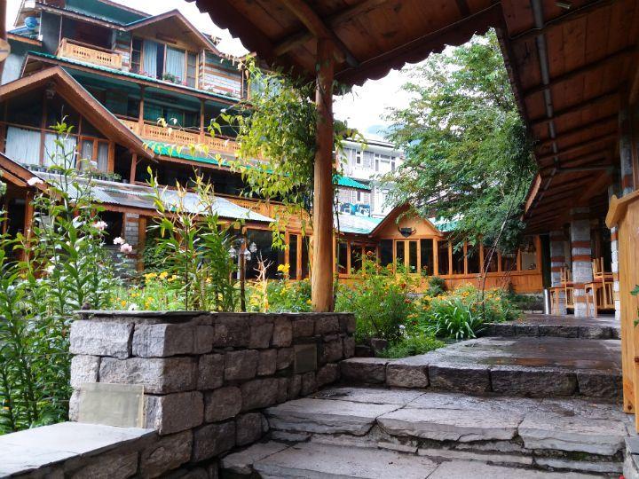 2017 Mahindra Himalayan Spiti Escape