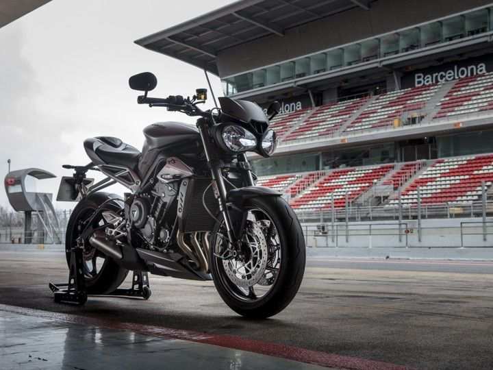 Triumph Street Triple Rs India Launch On October 16 Zigwheels