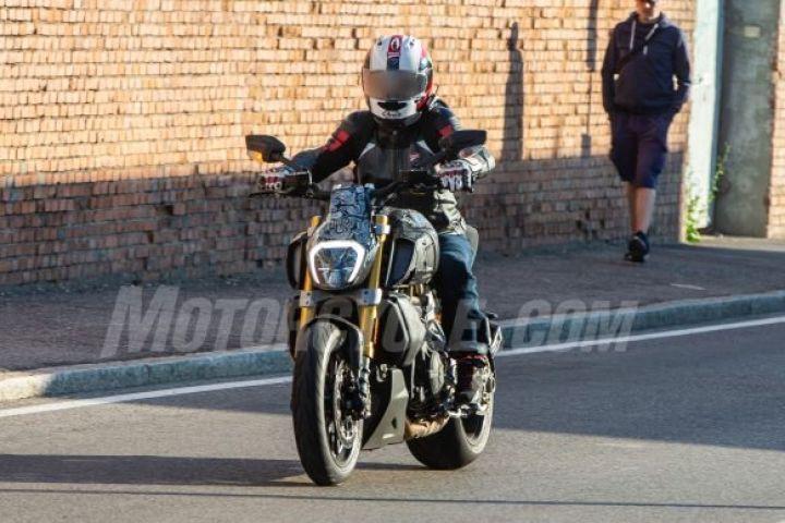 Incoming 2019 Ducati Diavel Zigwheels